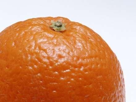 تصويري از يک پرتقال از نماي نزديک