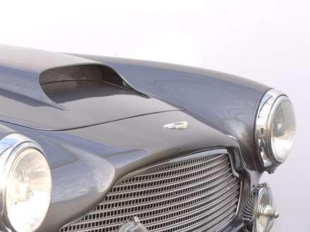 نماي سپر جلو وچراغ هاي اتومبيل استون مارتين DB4-1959