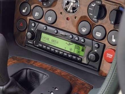 نماي  سيستم صوتي اتومبيل استون مارتين DB7-Vantage-2012