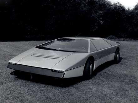 نماي  سيستم فرمان و صندلي هاي جلوي اتومبيل استون مارتين  Bulldog-1980-Concept-