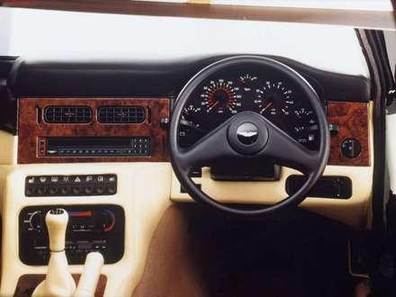 نماي سيستم فرمان و دنده اتومبيل استون مارتين V8 Vantage  Volante- LWB-1992