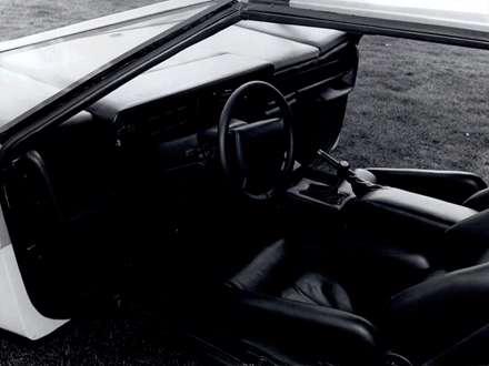 نماي  فرمان و صندل هاي اتومبيل استون مارتين  Bulldog-1980-Concept-