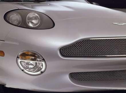 نماي چراغ و سپر جلوي  اتومبيل استون مارتين DB7-Vantage-2002