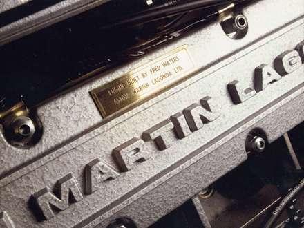 نماي سيستم موتور  اتومبيل استون مارتسن  - V8- 1977-Vantage-