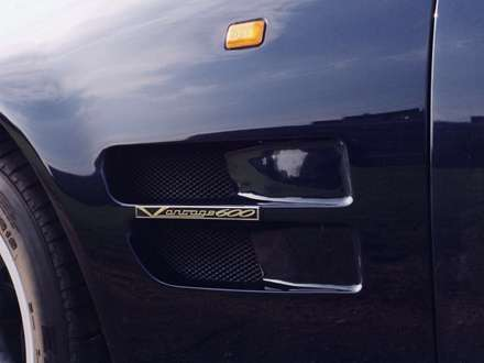 نماي دريچه هاي هوايي  اتومبيل استون مارتين- Vantage -1992 V8-