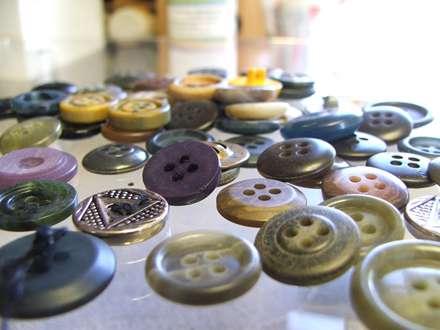 دکمه های رنگارنگ