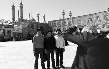 عکاسان حرم حضرت فاطمه معصومه (س) در قاب تصاویر