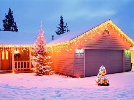 گاراژ نورانی در شب کریسمس