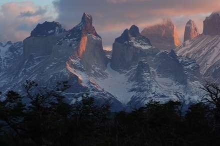 کوه های برف گرفته