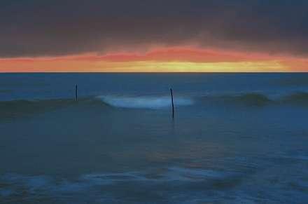 موج در دریای خشمگین