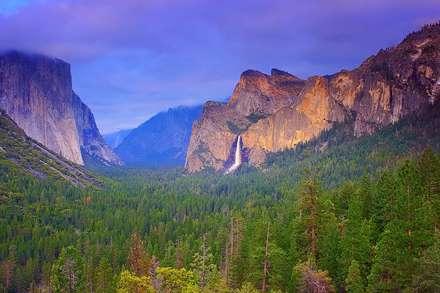آبشار صخره های بلند