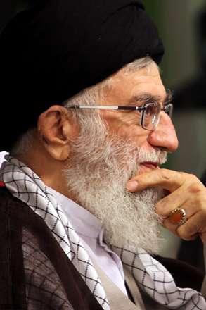 ما درس گرفتیم در این نهضت اسلامی ایران/تنها نگذاریم دمی رهبر خود سیدعلی را