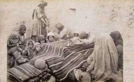 اجتماع یک خانواده قاجاری در زیر کرسی