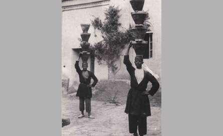 حمل كنندگان ماست تقاري در دوره قاجار
