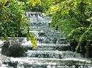 نمایی از آبشار پله ای