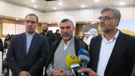 هیاتی از نمایندگان مجلس شورای اسلامی با حضور در منزل شهید مصطفی بدرالدین به شهدای مقاومت ادای احترام کردند.