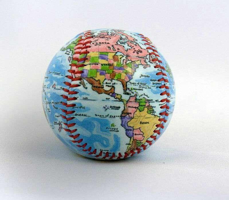 اگر بین اتم ها فاصله نبود زمین حجمى برابر یک توپ بیسبال داشت