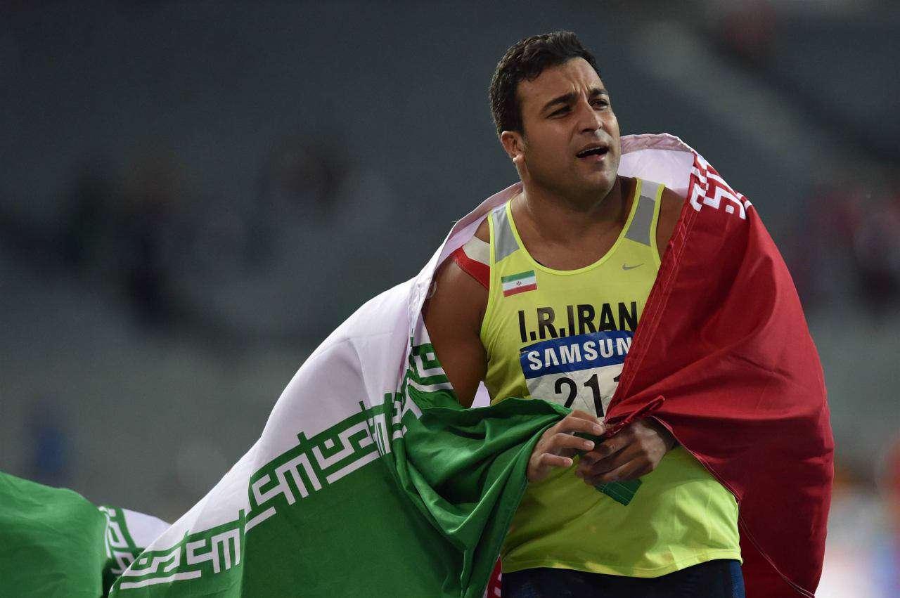 احسان حدادی ملی پوش پرتاب دیسک ایران، در مسابقات اشتوتگارت آلمان قهرمان شد.