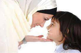 فرزندانتان را زیاد ببوسید