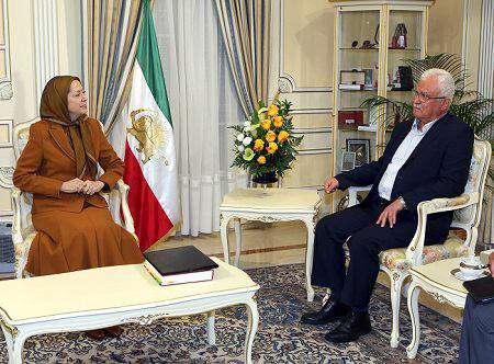 ملاقات مریم رجوی سرکرده منافقین با جرج صبرا سرکرده تروریستهای سوریه