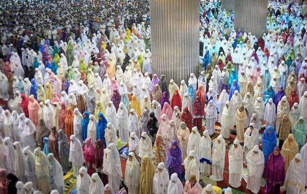 نماز جماعت مسلمانان اندونزی