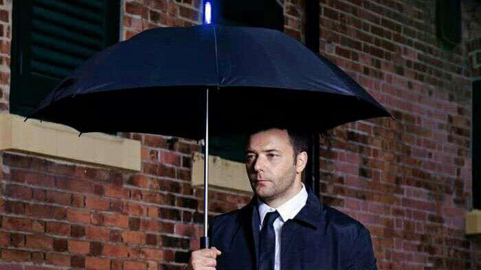 چتر هوشمندی که زمان بارش باران را پیشبینی میکند
