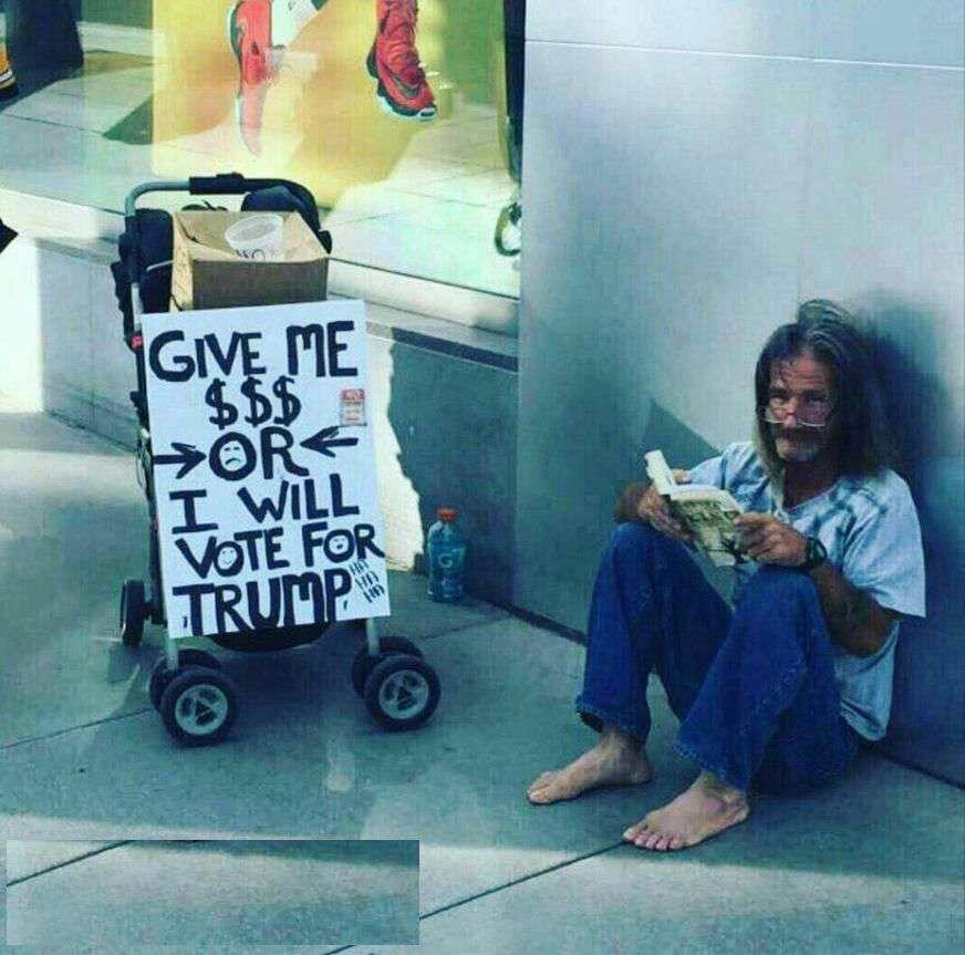 گدای آمریکایی: یا 5 دلار به من بدهید یا به ترامپ رای خواهم داد!!