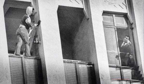 مشاوره محمد علی کلی با مردی که قصد خودکشی داشت/1981