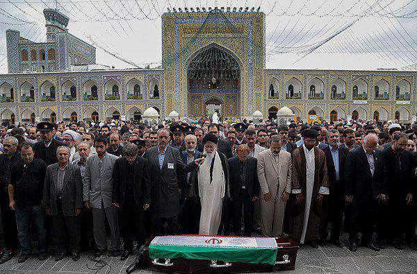 تشییع و اقامه نماز بر پیکر استاد حمید سبزواری در حرم مطهر رضوی