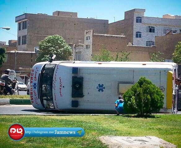 چپ شدن آمبولانس در تهران