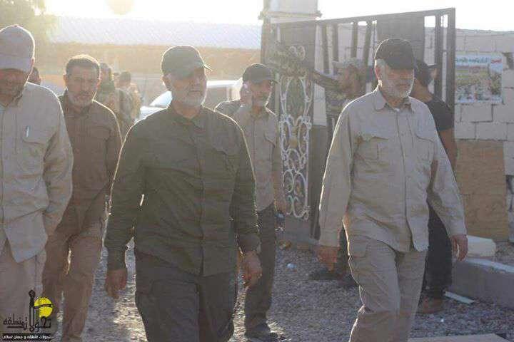 حاج قاسم سلیمانی و ابومهدی المهندس در حال بازدید از خطوط اول نبرد در منطقه سجریه - عملیات آزادسازی فلوجه