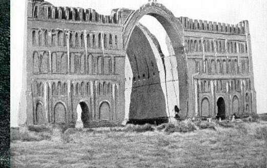 قدیمیترین تصویر عکاسی شده از طاق کسری(ایوان مداین)/سال ۱۸۶۴ میلادی