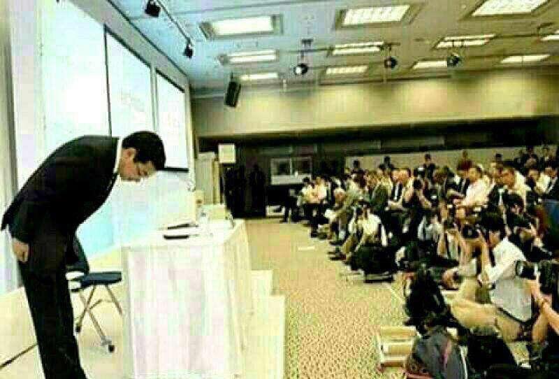 وزیر نیروی ژاپن به علت قطع شدن برق، به مدت ۲۰ دقیقه در حالت تعظیم از مردم عذرخواهی کرد