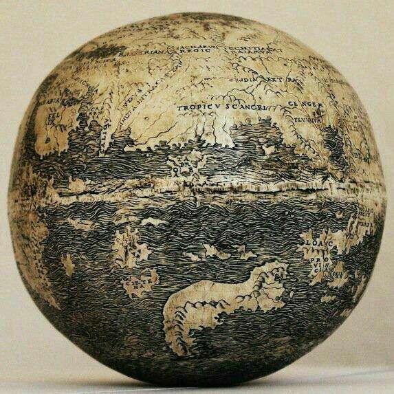 قدیمی ترین کره جغرافيايي(سال ١٥٠٤م)