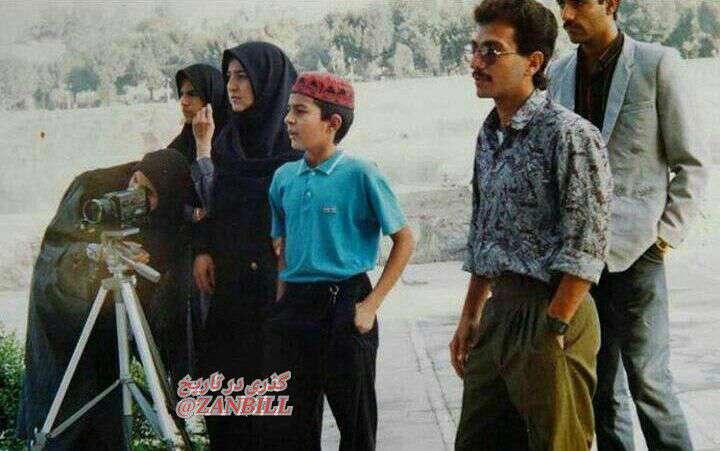تیپ اصغر فرهادی در دهه 70 در پشت صحنه سريال روزگار جوانی