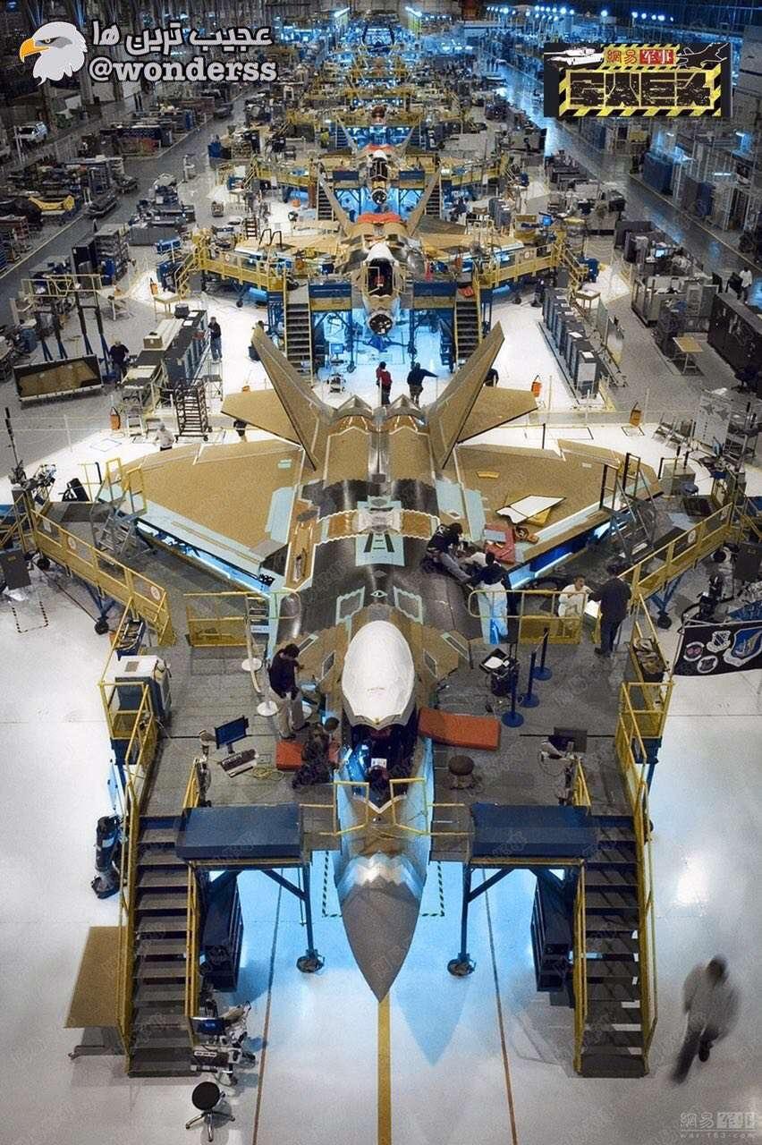 تصویرى از خط تولید هواپیماهای جنگی F-22 در امریکا