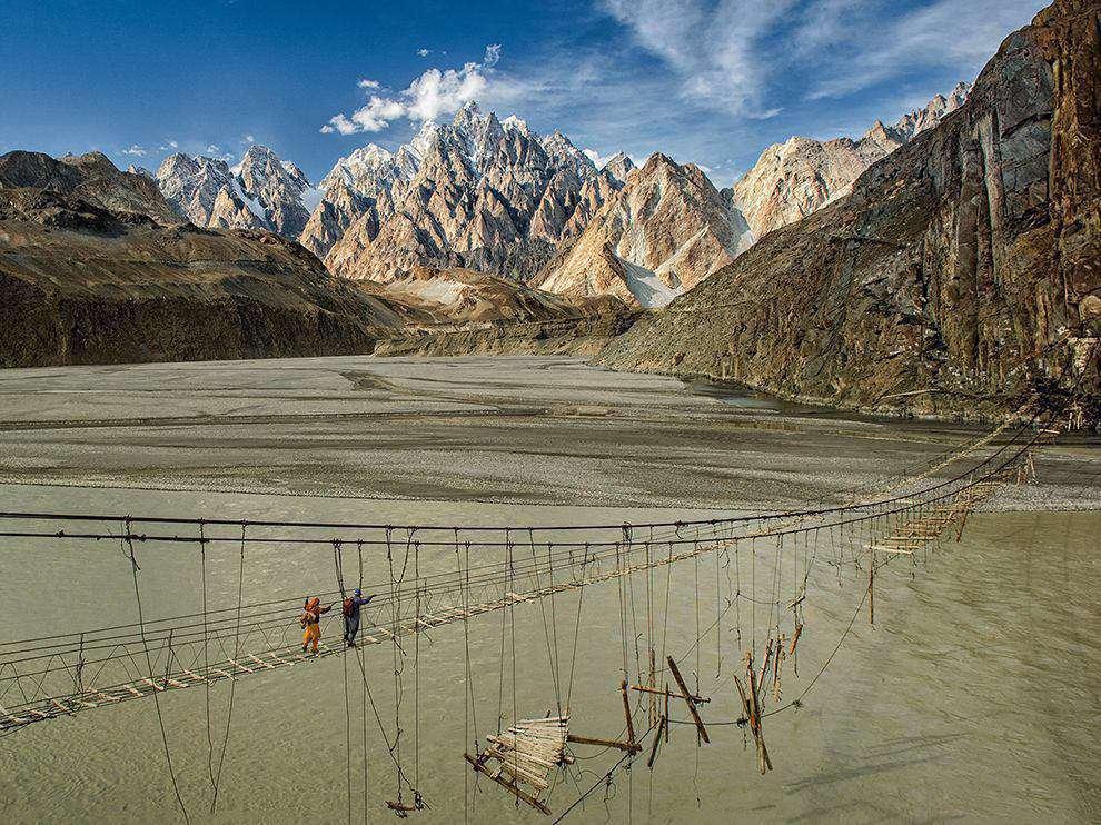 خطرناک ترین پل طنابی جهان در پاکستان