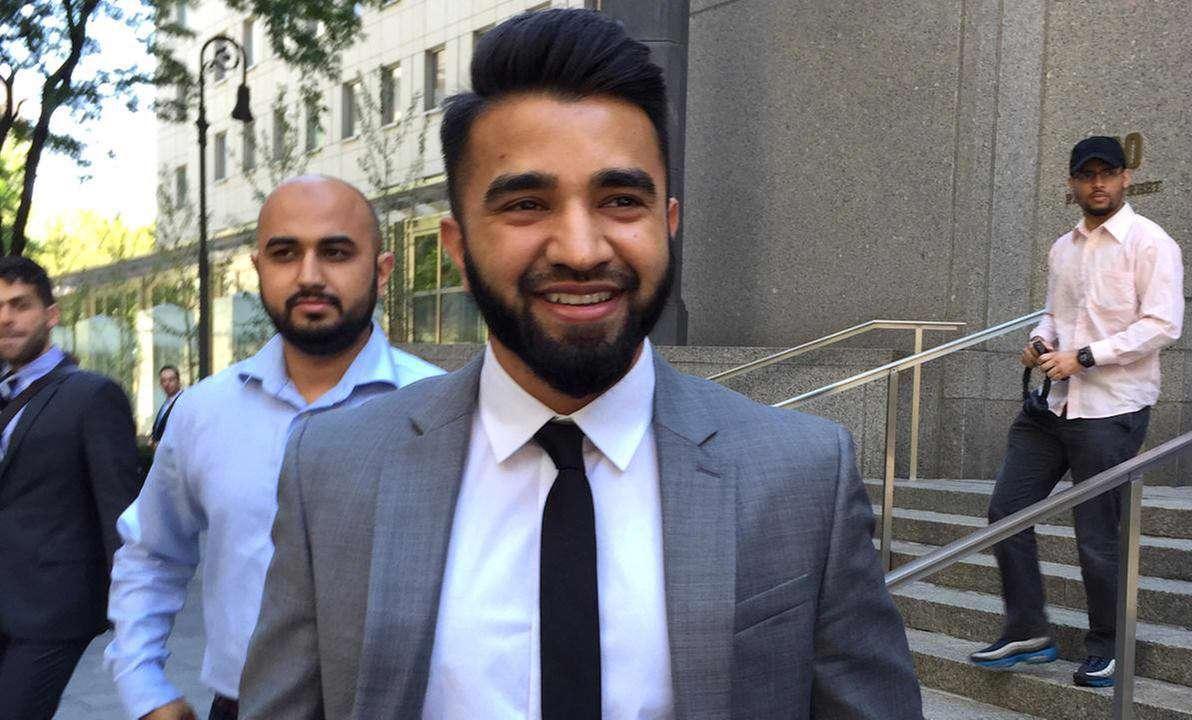 """""""مسعود سید"""" پلیس مسلمانی که به دلیل گذاشتن ریش، توسط پلیس نیویورک از کار معلق شده بود، پس از مدتی با حضور در دادگاه، توانست رای دادگاه را به نفع خود تغییر دهد و دوباره به کار خود بازگردد"""