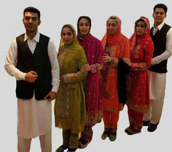لباس عجیب مهمانداران هواپیما در ایران  به گفته مدیرعامل هواپیمایی تفتان قراراست مهمانداران این ایرلاین با این لباس به مسافران سرویس ارائه کنند.