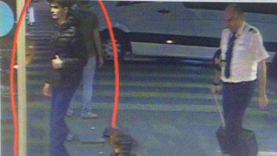 اولین تصویر از یکی از بمب گذاران انتحاری دیشب در فرودگاه استانبول منتشر شد  دقایقی قبل از حادثه در حال قدم زدن در ترمینال فرودگاه/العالم