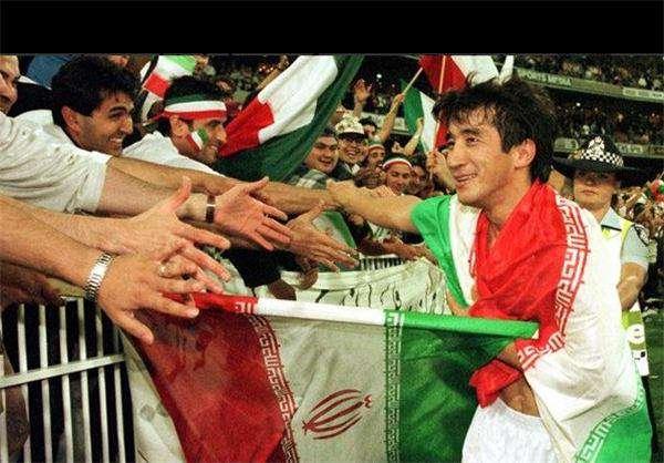 تبریک تولد خداداد عزیزی توسط  AFC کنفدراسیون فوتبال آسیا امروز تولد 45 سالگی خداد عزیزی مهاجم ملی پوش سابق کشورمان را تبریک گفت