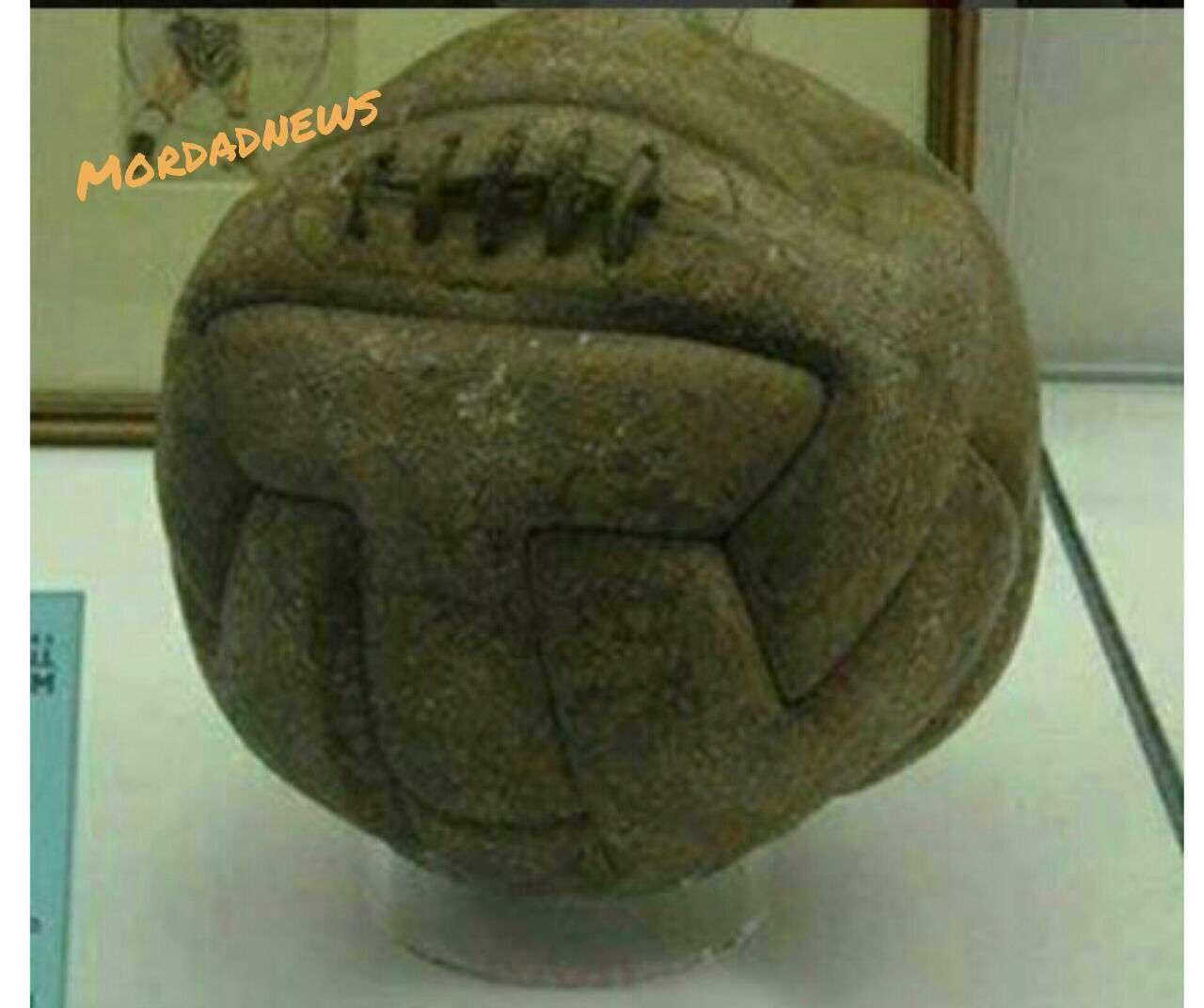 اولین توپ استفاده شده در فینال جام جهانی ؛ سال 1930