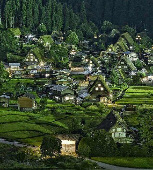 دهکده شیراکاو در ژاپن
