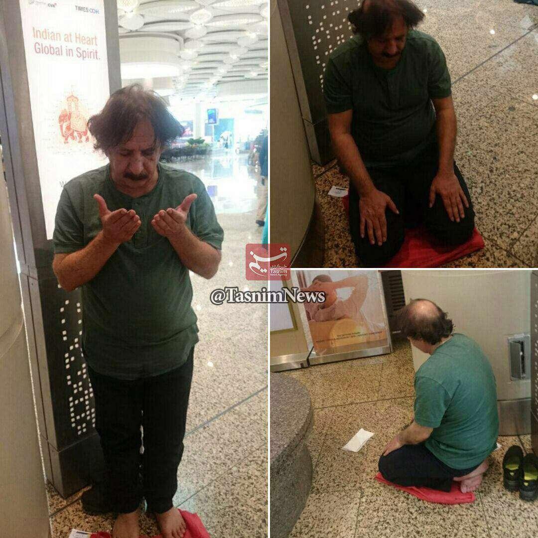 نماز خواندن مجید مجیدی، در فرودگاه بمبئی