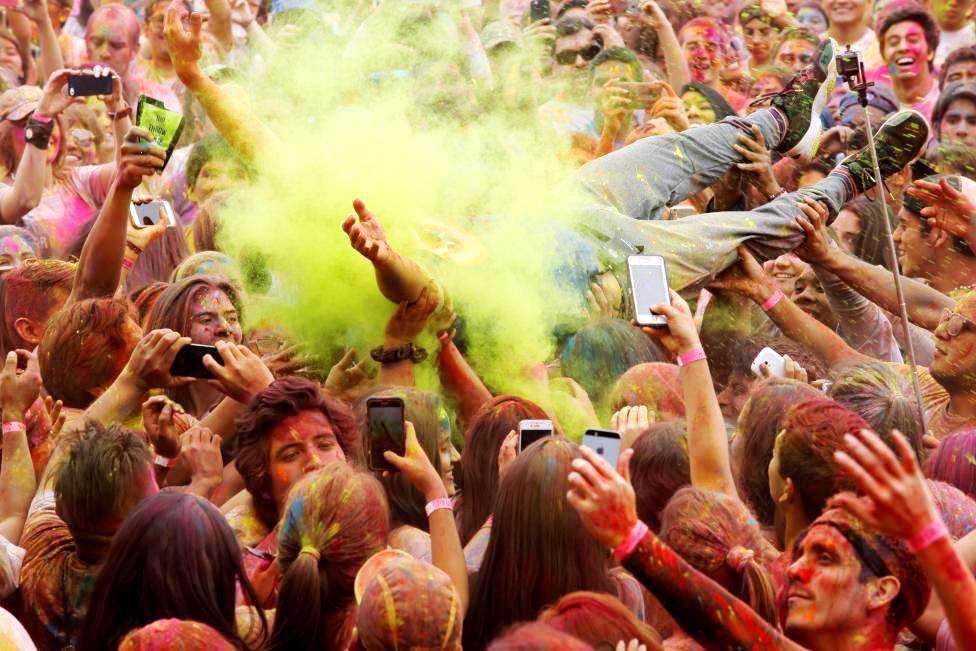 جشن رنگ ها در پرو
