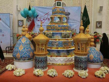 توزیع کیک 600 کیلویی در حرم شاهچراغ (ع)/