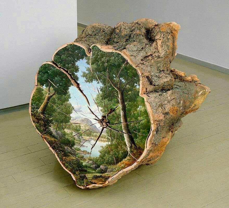 نقاشی روی تنه درخت