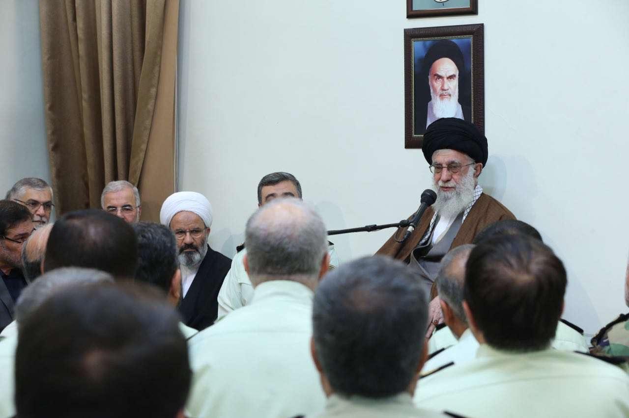 همزمان با روز نیروی انتظامی، جمعی از فرماندهان ناجا، ظهر امروز با رهبر انقلاب دیدار کردند