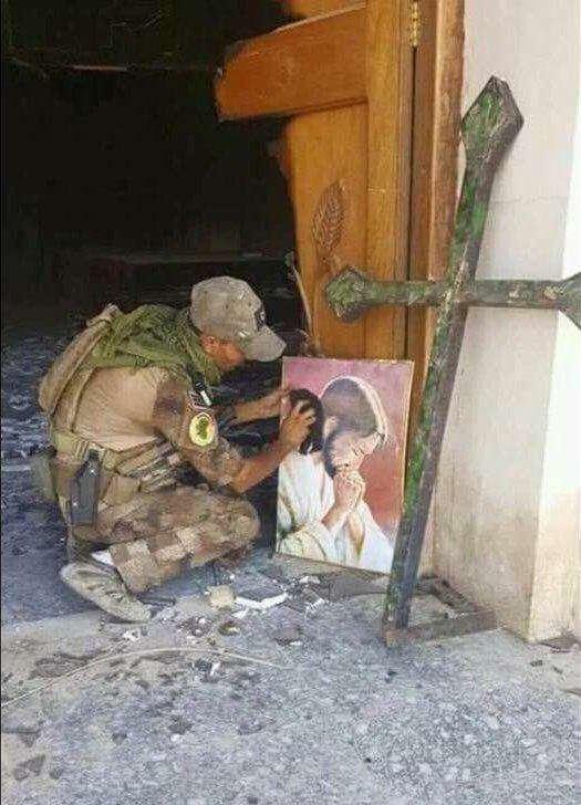 احترام رزمنده مسلمان عراقی به مقدسات مسیحیان