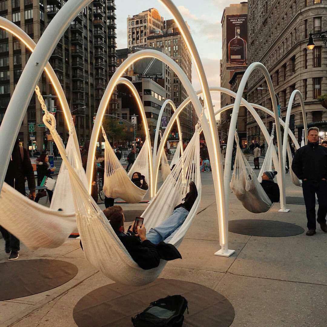 نیویورک؛ خلاقیت شهرداری برای استراحت عابرها